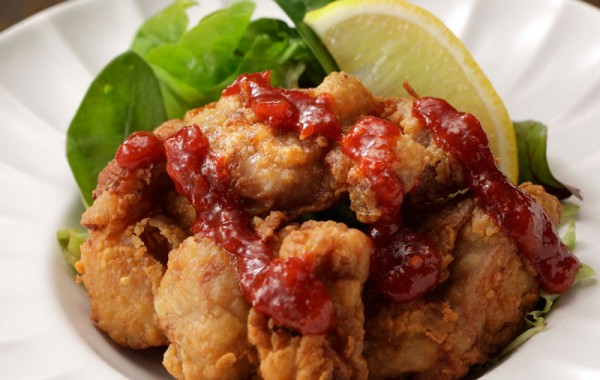 三宝亭の若鶏のからあげ  辛味ソース $8.50<br />SANPOUTEI Deep fried Spring Chicken with Spicy Sauce