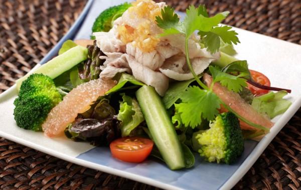 豚しゃぶサラダ $10.50<br />BUTA SHABU Salad