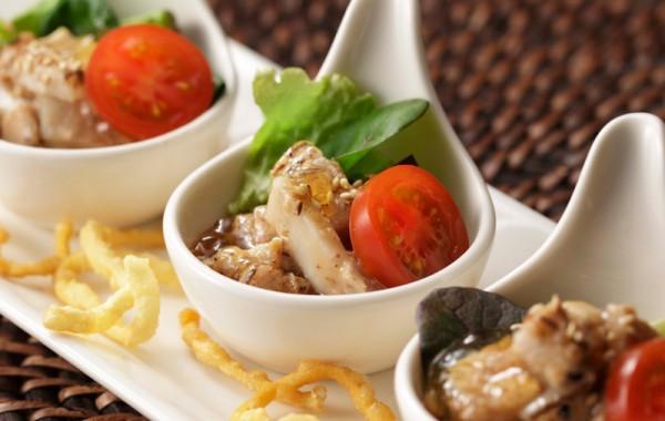 炙りチャーシュー サラダ仕立て $6.50<br />Aburi Chashu Salad